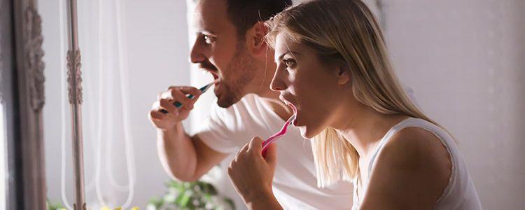 ¿Nos lavamos suficiente los dientes? ¿sabemos cuidar del cepillo?
